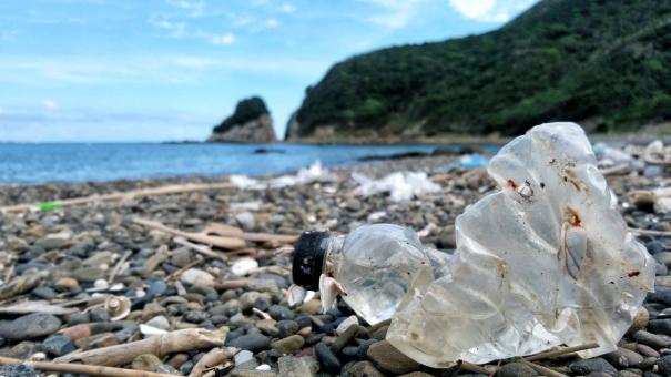 プラスチック ごみの写真